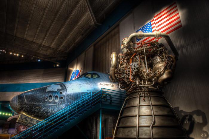 Orbiter Cabin and SSME, Space Center Houston
